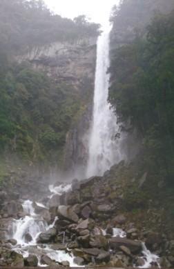 DSC_0334 (2)滝1.jpg